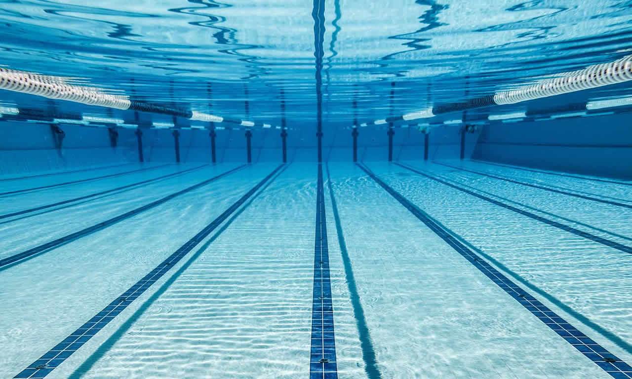 como funciona a limpeza da piscina com cloro poolpiscina