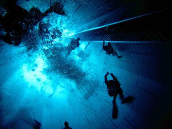 Nemo 33, Bélgica - Esta é a piscina coberta mais profunda do mundo, com 35 metros de profundidade