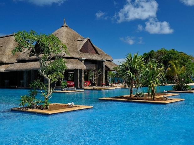 24 piscinas mais lindas do mundo blog sm piscinas for Piscinas lindas