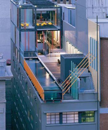 Piscina suspensa do Hotel Adelphi, em Melbourne