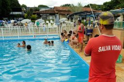 Guarda-vidas de piscina